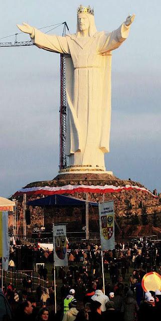 Swiebodzin, maior estatua de Cristo no mundo