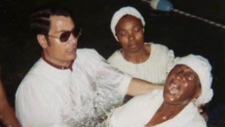 Jonestown__The_Life_and_Death_of_Peoples_Temple_02