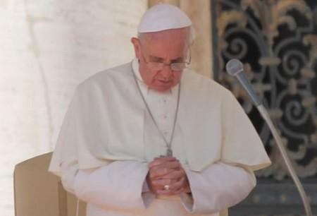 Papa Francisco expressa preocupação por sacrilégio ocorrida em Catedral argentina