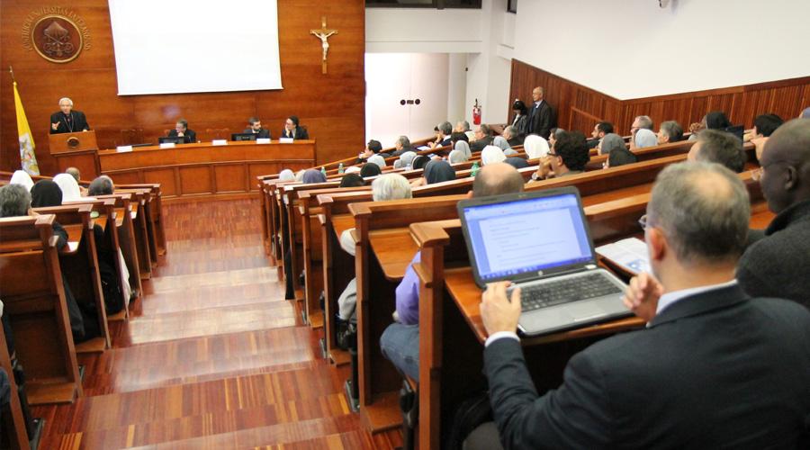 ConferenciaSocialMedia_PetrikBohumil_ACIPrensa